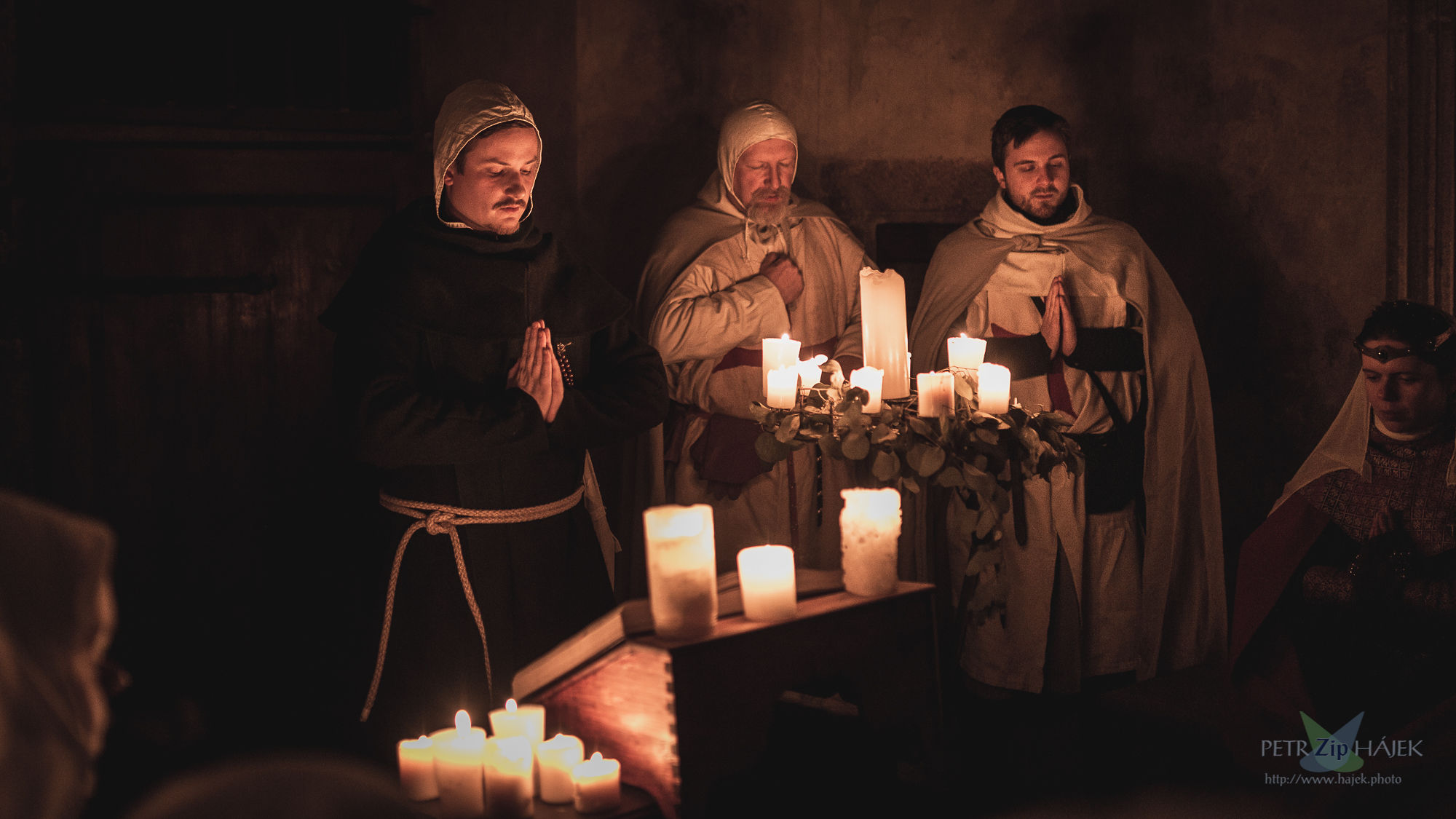 Strong experiences during the game - sung medieval worship